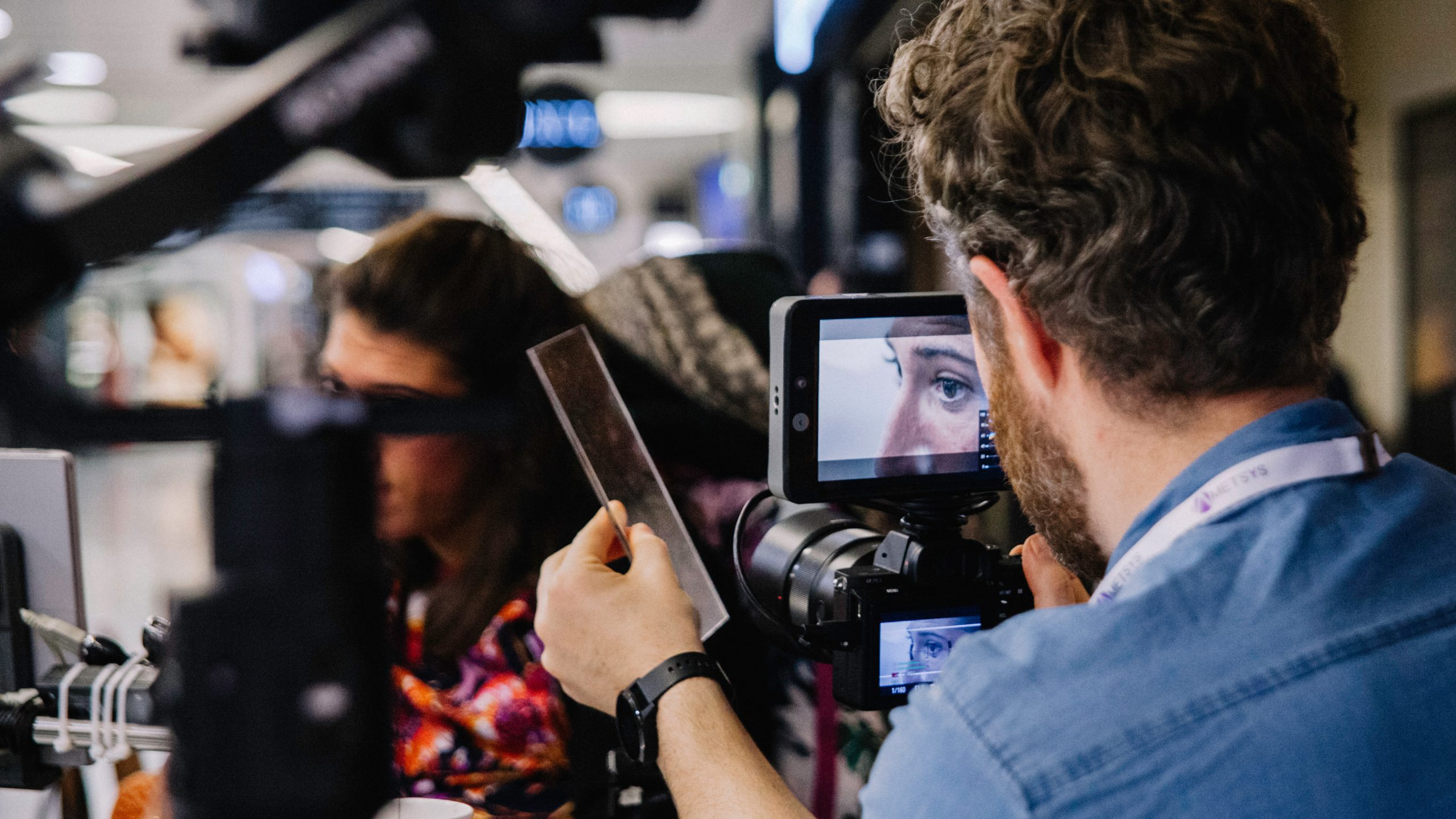 動画撮影はカメラ2台